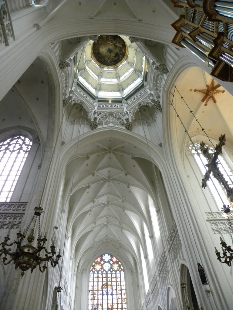 The tallest church in every european country page 6 for Interieur antwerpen