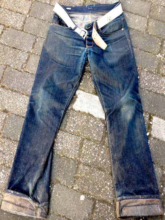 4f89fa6895787-Jeans5.png